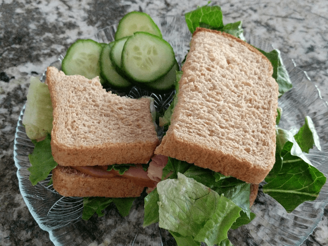 sandwich with cucumbers