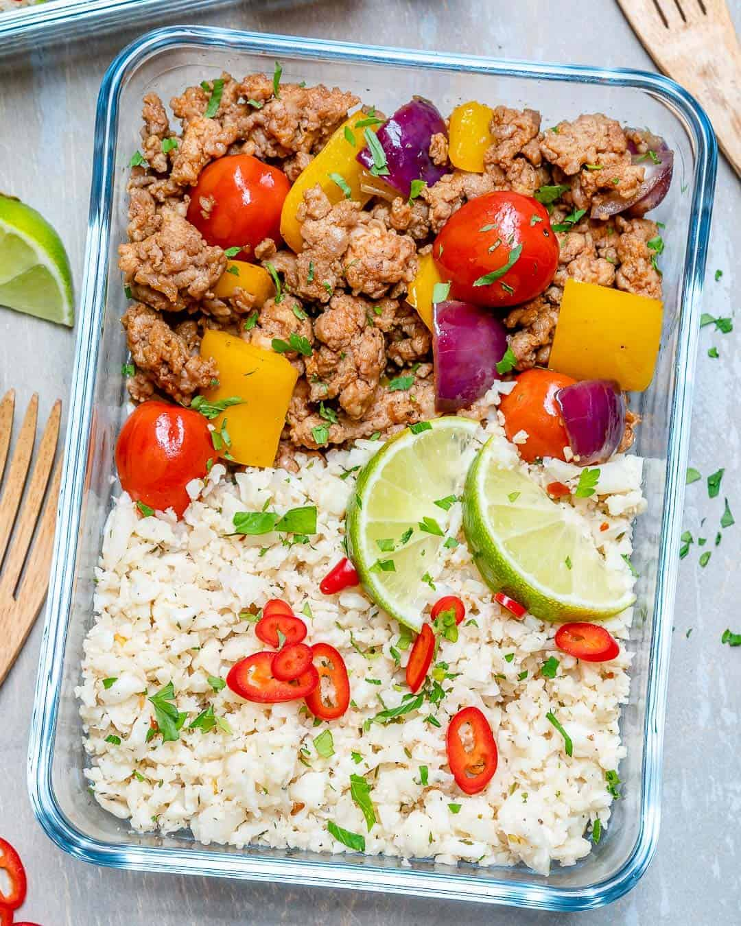 meal prep dish with ground turkey with peppers and cauliflower rice