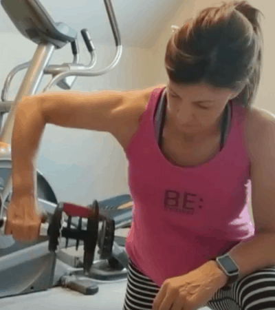 stephanie lifting weight for arm workout